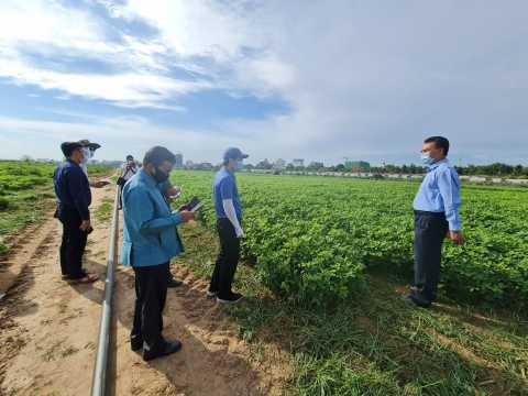 the minister of agriculture and forestry pay a visit to aidc donchan farm